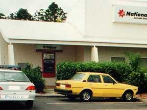 Man charged over 1999 bank heist, police shooting