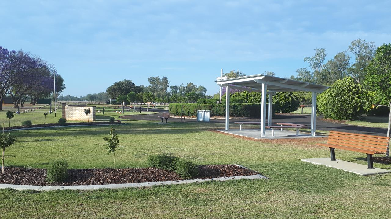 The finished shade shelter and seating bench seats at the Tanderra Cemetery in the Western Downs. Picture: WDRC