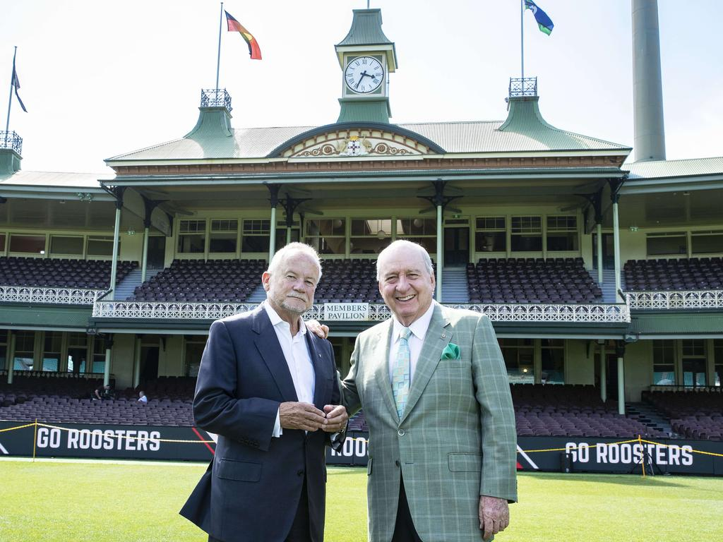 SCG board members Alan Jones (R) and Tony Shepherd (L).