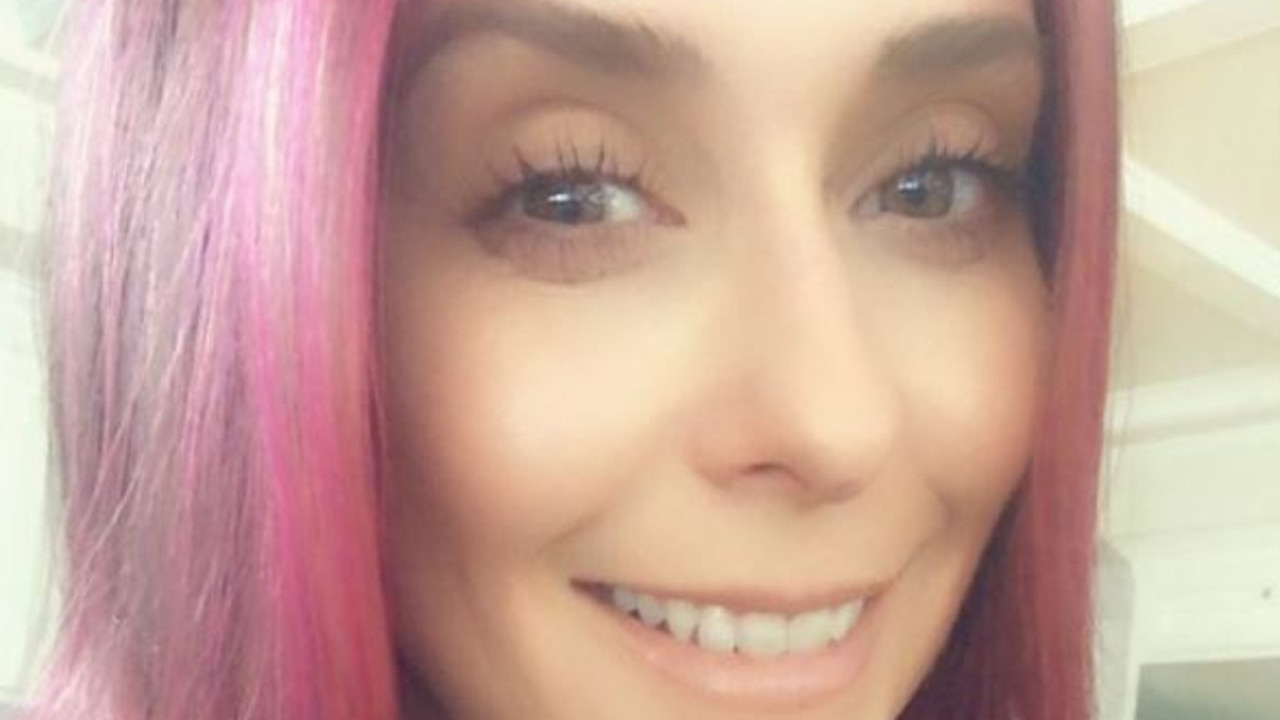Jennifer Love Hewitt dyed her hair pink in 2020. Picture: Instagram