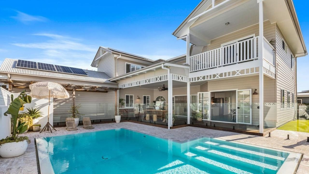 Pizza night and barbecues would be a breeze in this Casuarina home.