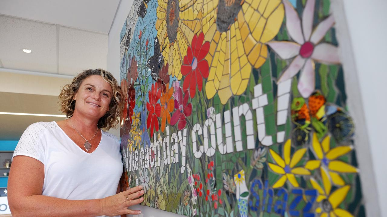 Wendy Johnston with the mosaic for Sharon 'Shazz' Benson at the Cancer Centre. Picture: Mike Knott