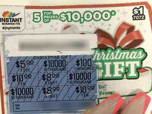 Sarina couple win $10k top prize on instant scratch-it