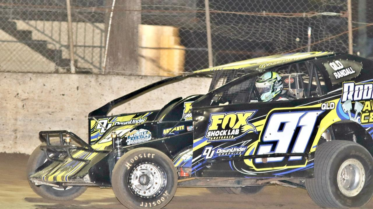 PACESETTER: Driver Mitch Randall fresh from his Boxing night win will seek to be the pacesetter in the 40-lap main event on January 9, 2021 at Lismore Speedway. Photo: Tony Powell