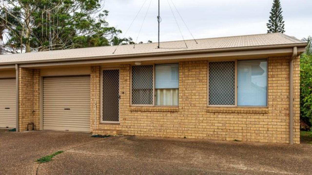 If you're looking for a unit close to the CBD at a good price, this one could be yours for less than $130k.