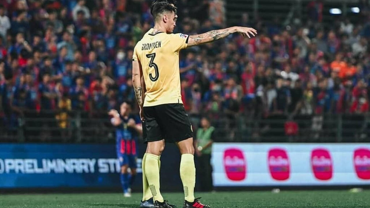 Josh Grommen playing in the Asian Champions League.