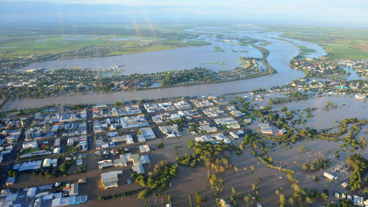 Aerial Bundaberg South, 2010 floods. Photo: Max Fleet/NewsMail