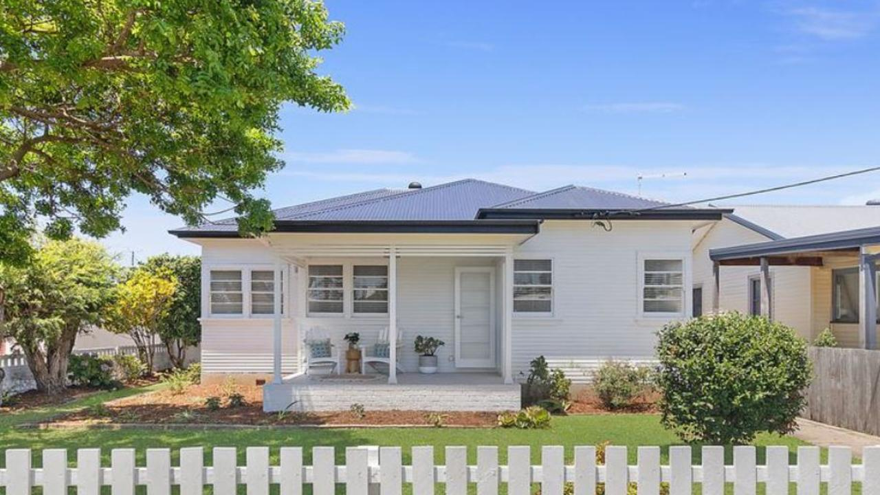 You'll be close to everything in this central Ballina home.