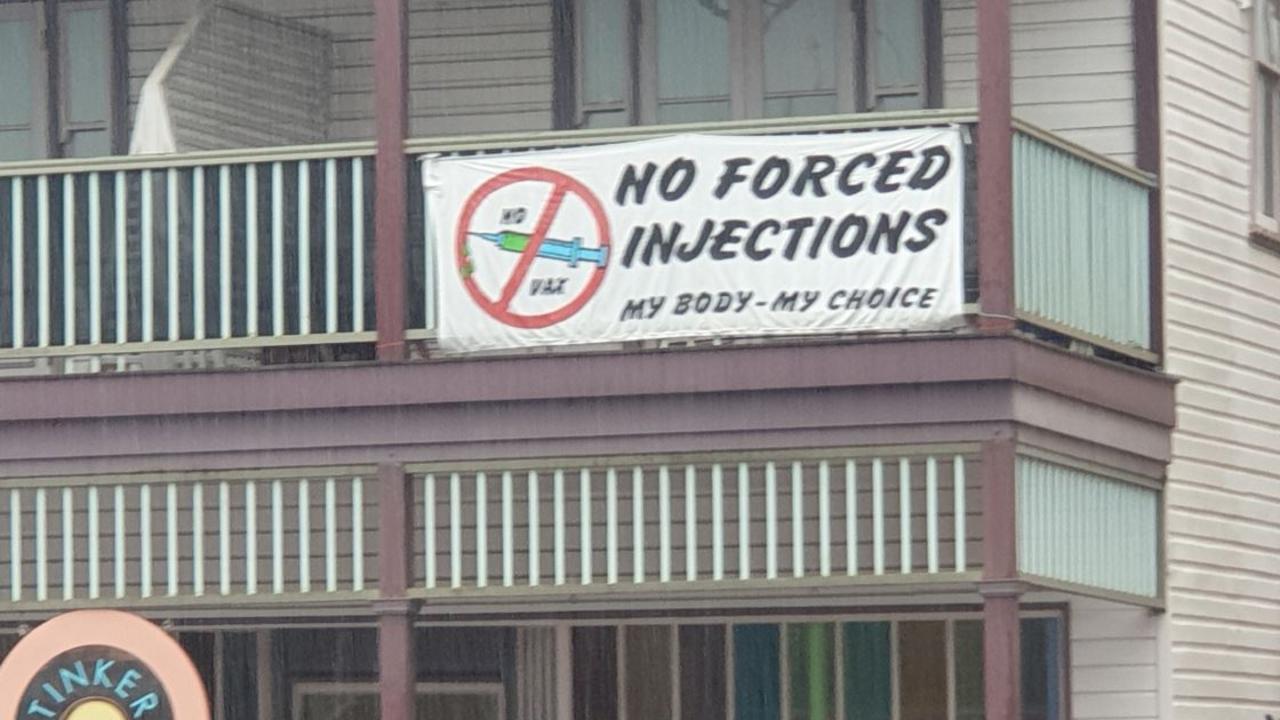 Anti-vax sign in Mullumbimby.
