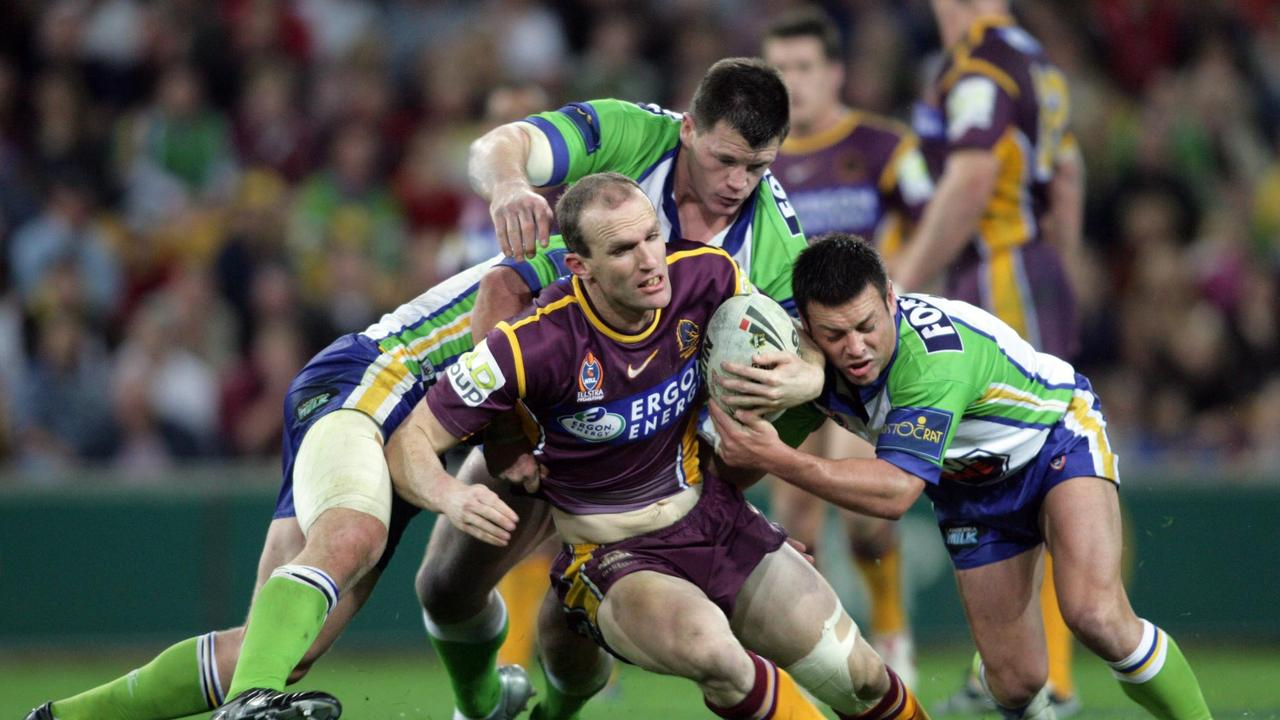 Scott Minto in action for the Brisbane Broncos in 2005. (AAP Image/Action Photographics/Charlie Knight).
