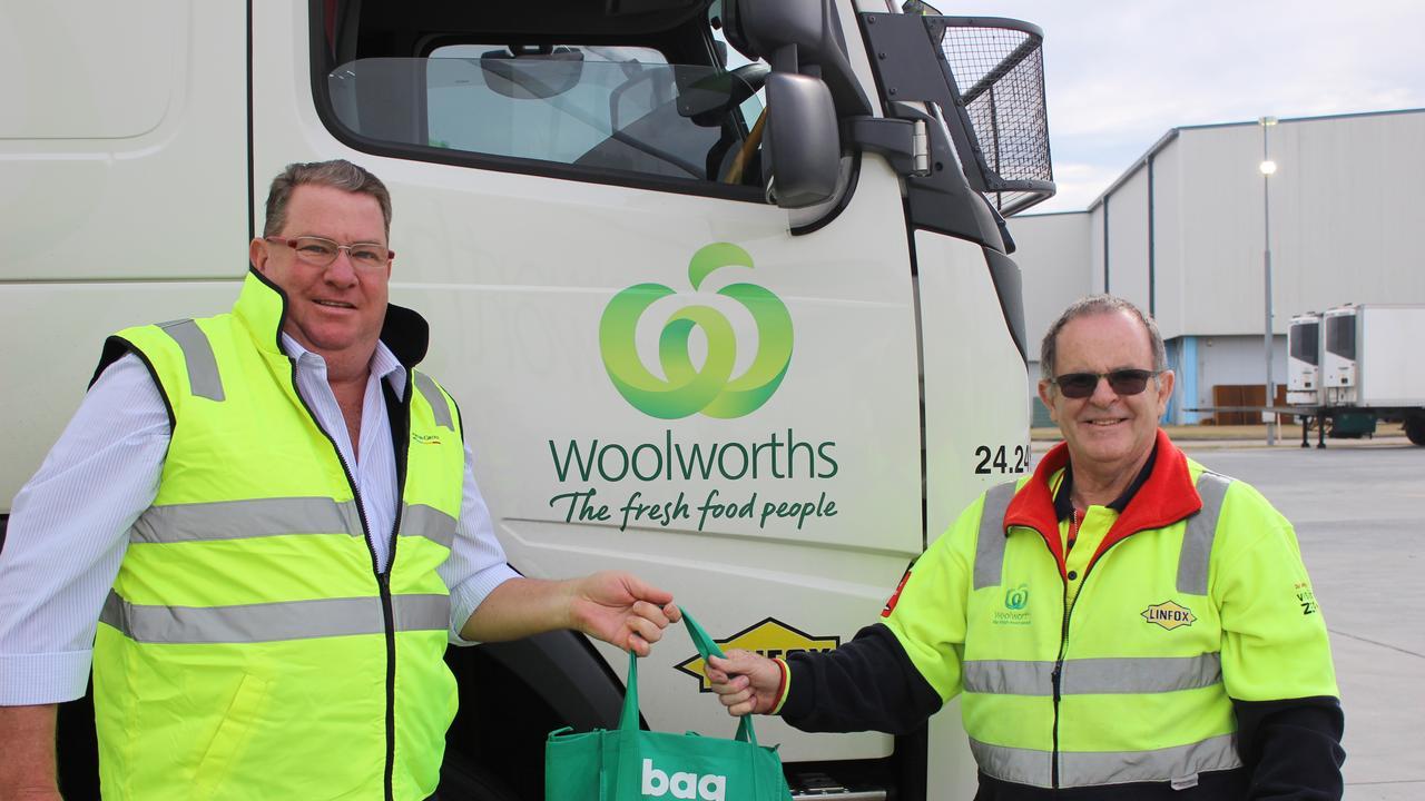Wright MP Scott Buchholz (left) with truck driver Dean Murray.