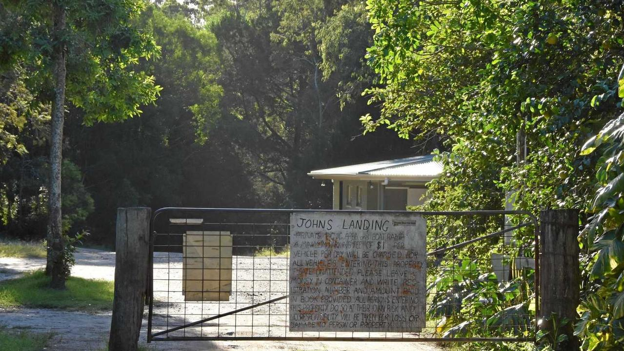 The old gateway entrance to Johns Landing campground.