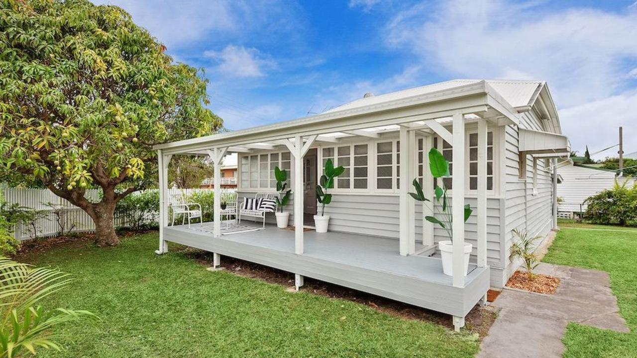 This three-bedroom, three-bathroom house on 602 sqm at 17 Redbank Rd, Redcliffe, is for sale for offers over $549,000.