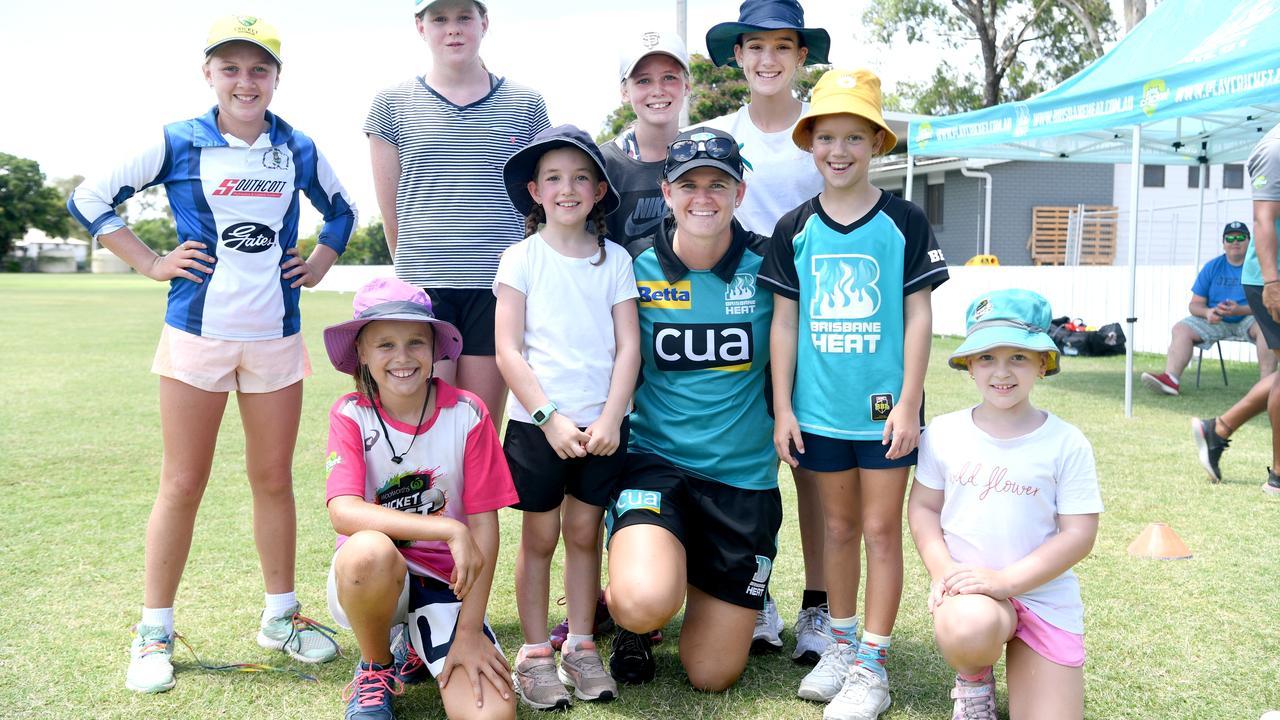 Jess Jonassen, Australian all-rounder and Brisbane Heat captain at the Brisbane Heat Summer Holiday Tour girls only clinic at Rockhampton Cricket Grounds