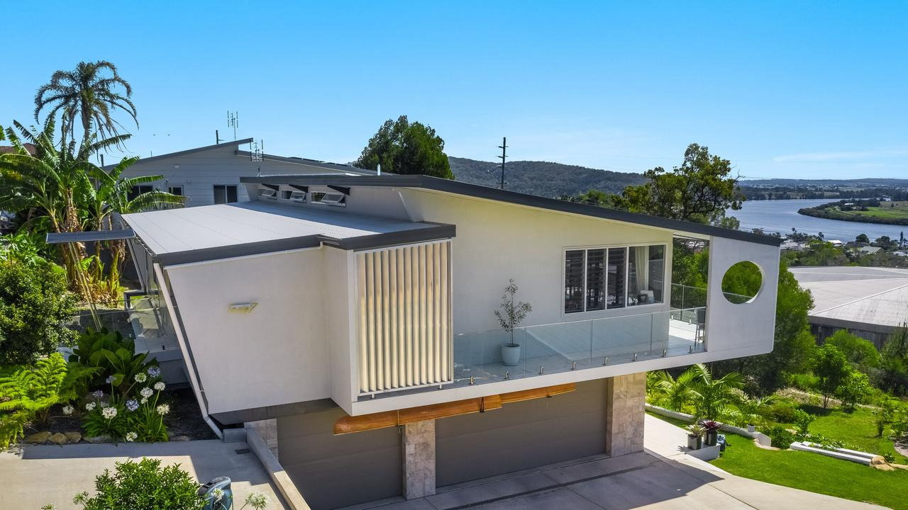Nautical themed property in Riverwood Terrace Maclean, for sale by Dan Kelly of Ray White Yamba