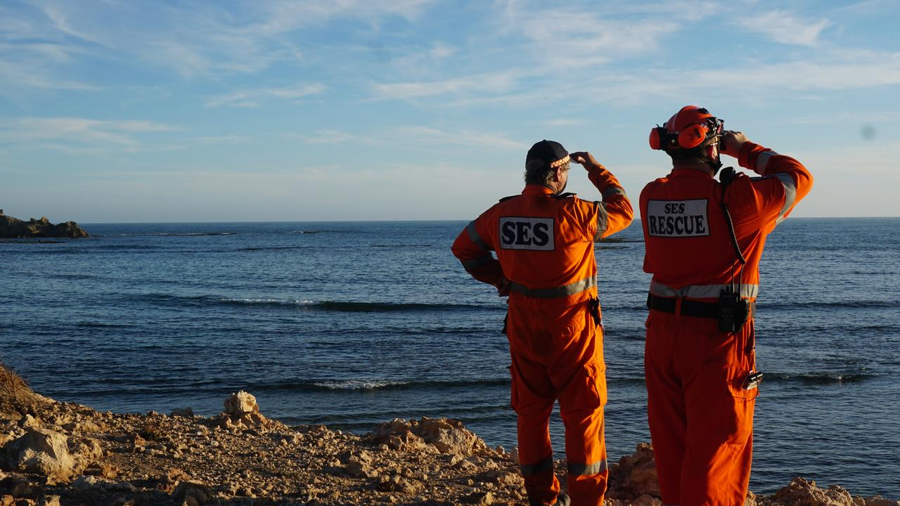 The SES was on the scene at Port MacDonnell searching for a missing snorkeller on Thursday evening. Picture: Jessica Ball