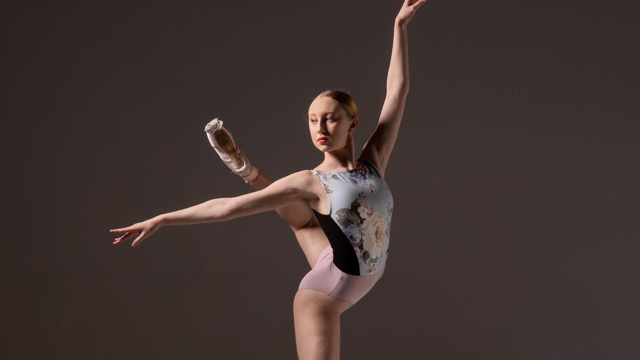 Ballerina Madeleine Powell is raising money to study ballet in Amsterdam.
