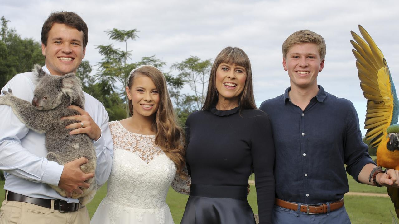 Chandler Powell, wife Bindi Irwin, Terri Irwin and Robert Irwin.