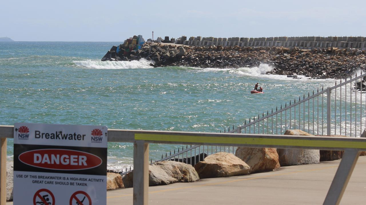 Waves rolling into the harbour on Friday.Photo: Tim Jarrett