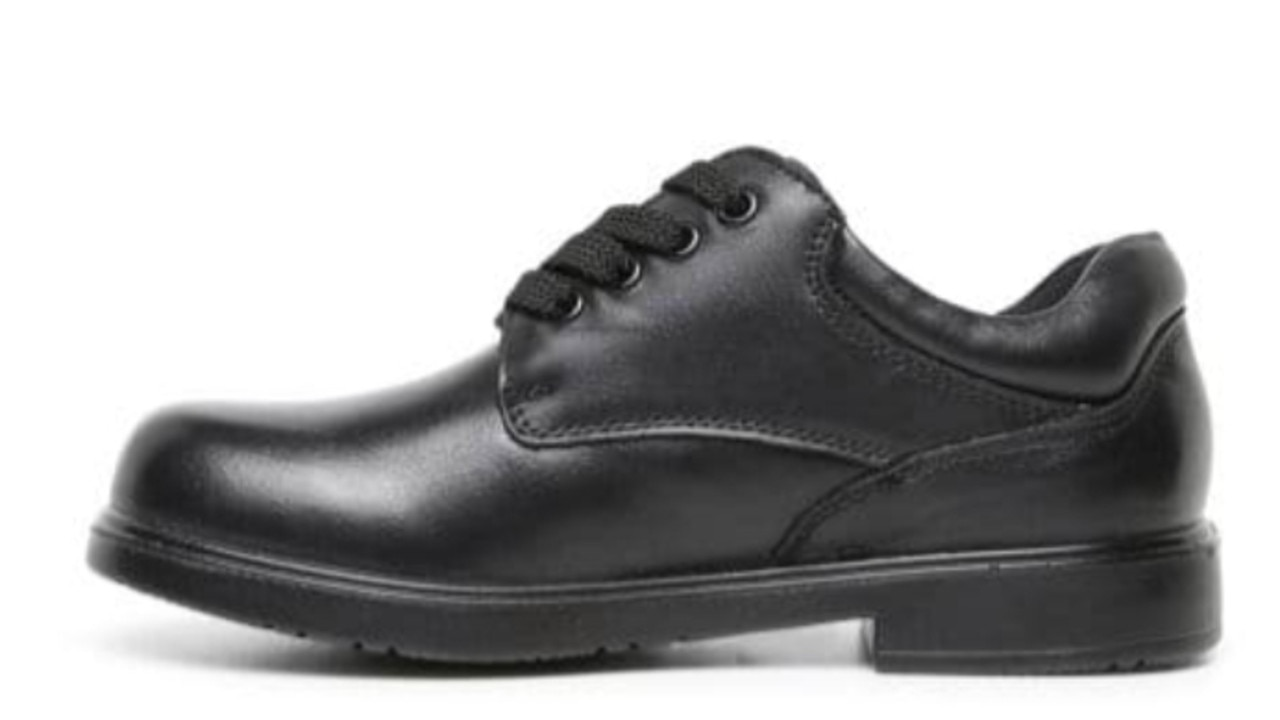 Williams Shoes Kyson Jnr E Black leather.
