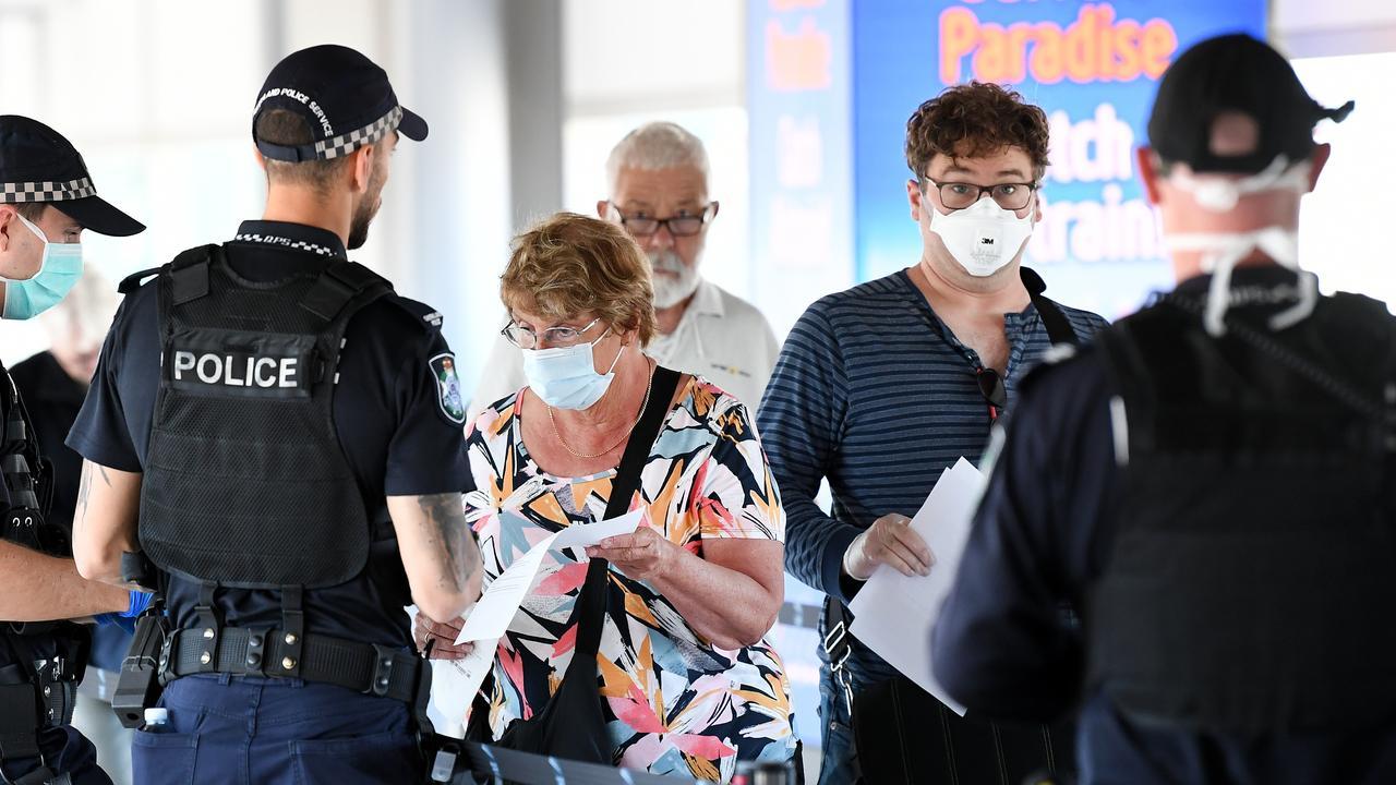 Police screen incoming passengers. (AAP Image/Dan Peled)