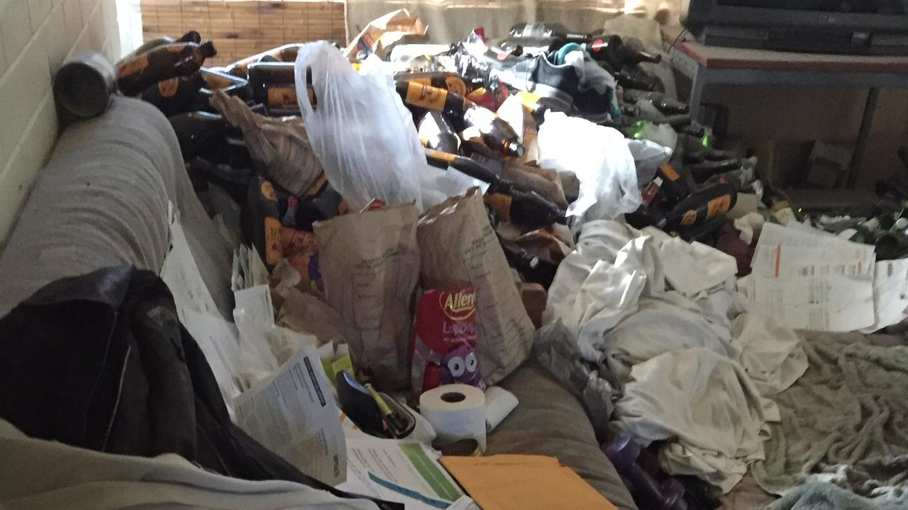 Between 2 and 6 per cent of the population live with hoarding disorder, according to the Australian Pyschological Society.