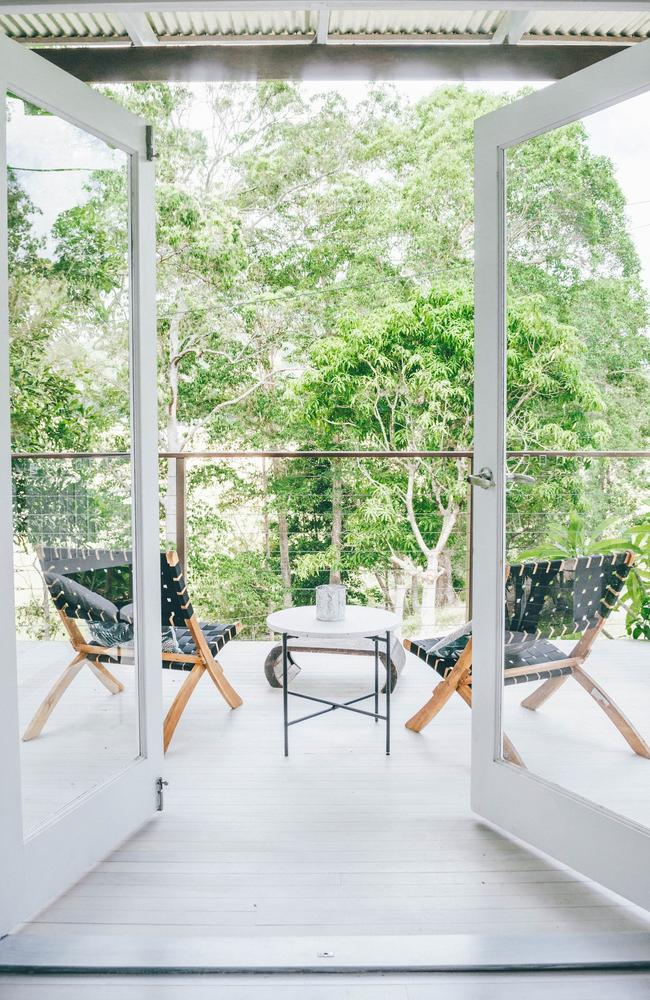 Treehaus: Luxe Sunny Coast Private Bush Retreat. 10 minute drive from Coolum Beach