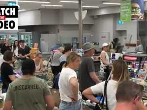 Panic buys as Perth plunged into snap five day lockdown (9 News Perth)