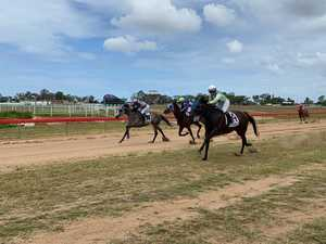 Giddy up: Race day sees biggest crowd since covid