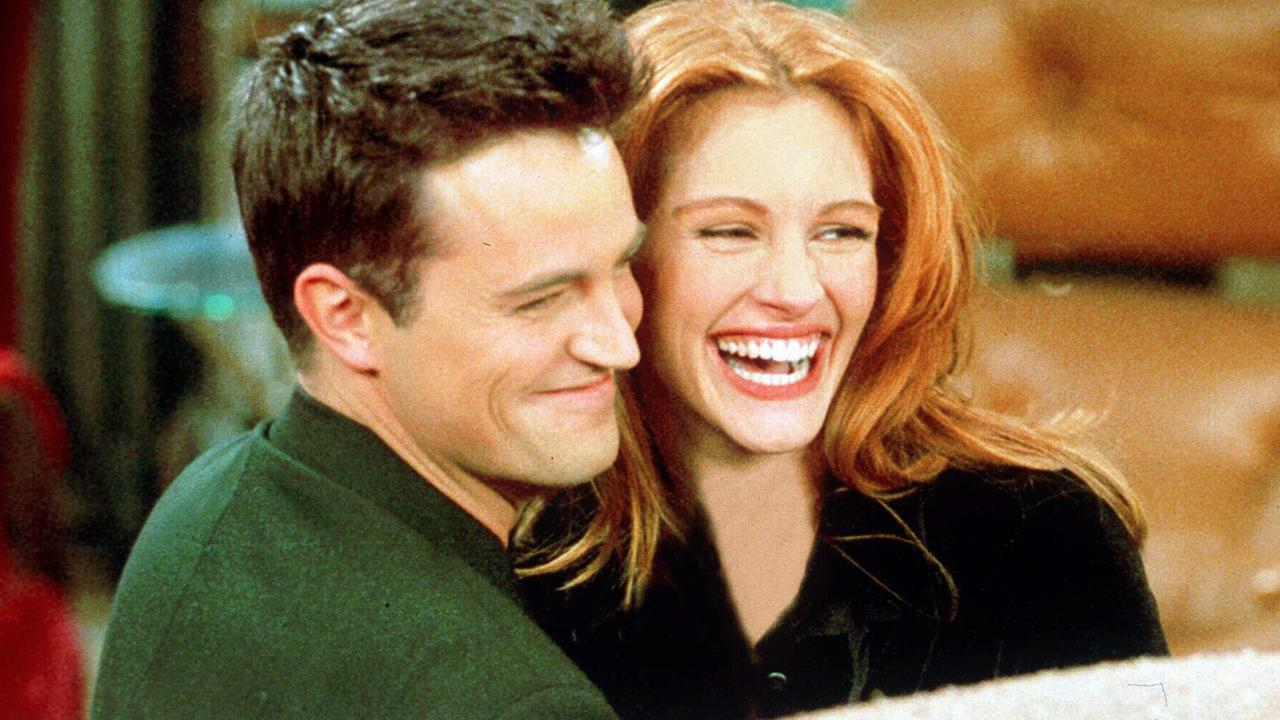 Julia Roberts with Matthew Perry.
