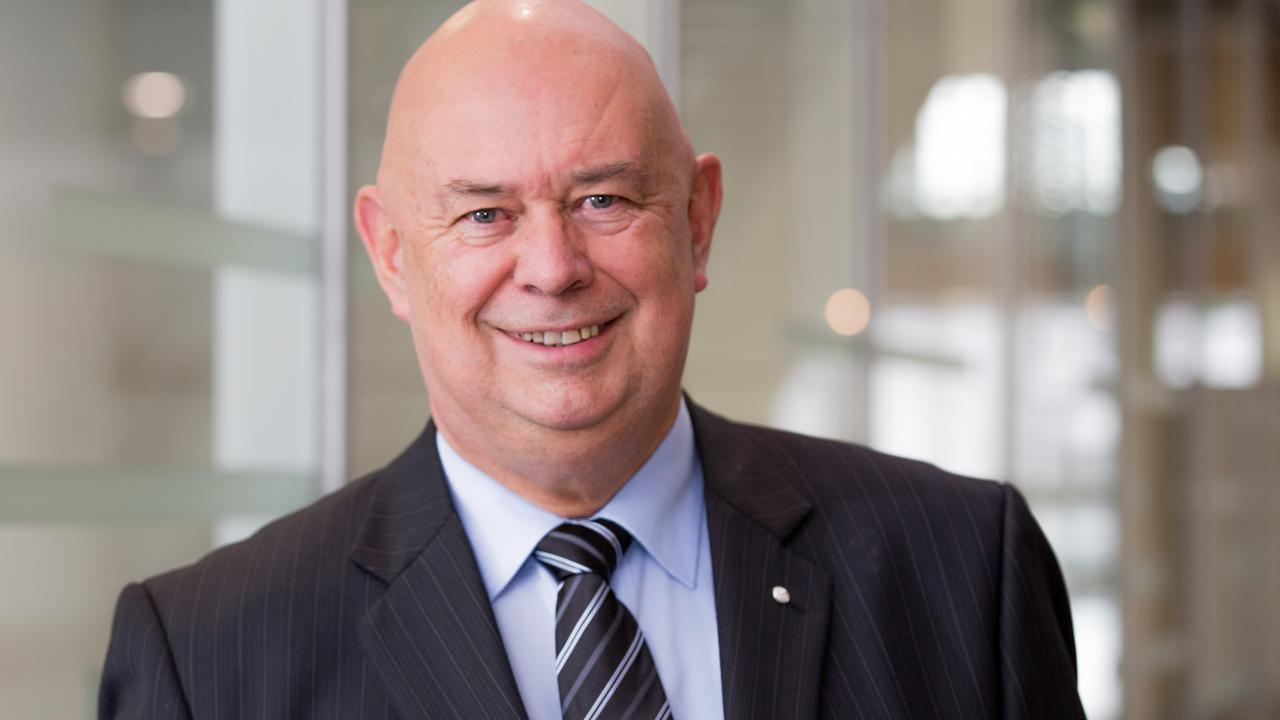 Services Australia's Hank Jongen says no repayments will be due before February 28.