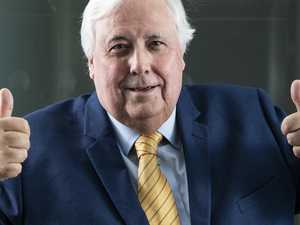 Clive Palmer renews love affair with Sovereign Islands property