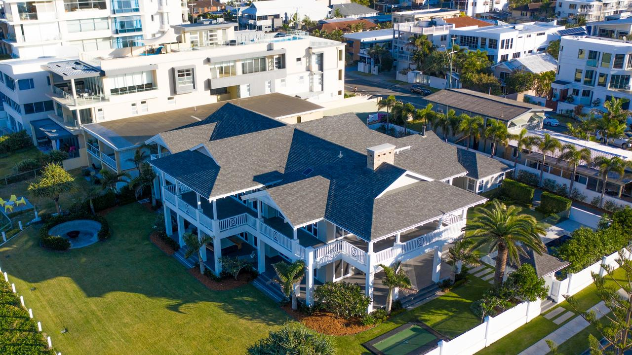 2 Heron Ave, Mermaid Beach was sold by Tony Smith for $25 million.