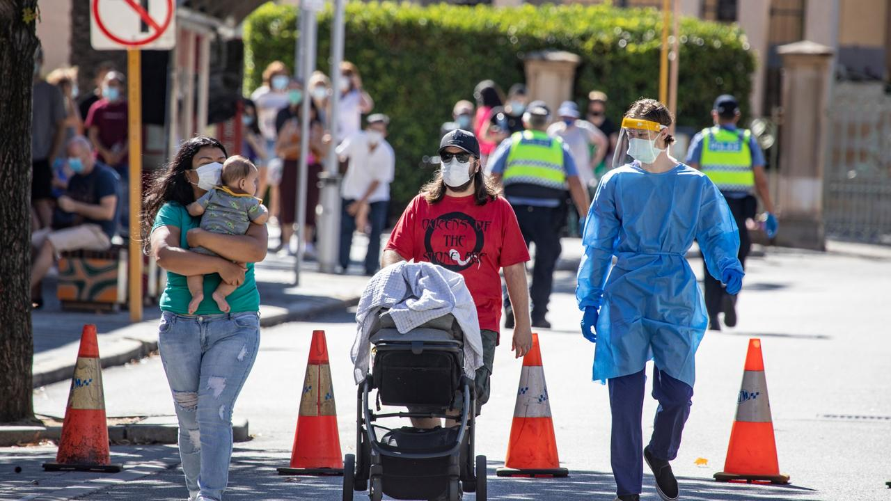 People arriving to get tested at Royal Perth Hospital on Monday. Picture: NCA NewsWire / Tony McDonough