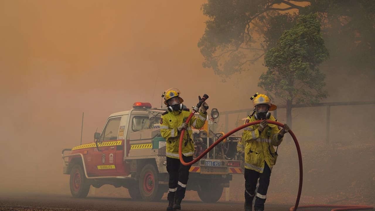 Six fireys have been injured. Picture: Supplied by DFES via incident photographer Evan Collis