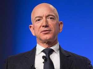Amazon founder Jeff Bezos quits
