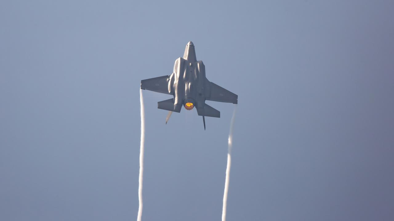A F-35A Lightning II aircraft A35-016 operated by No. 3 Squadron in action.