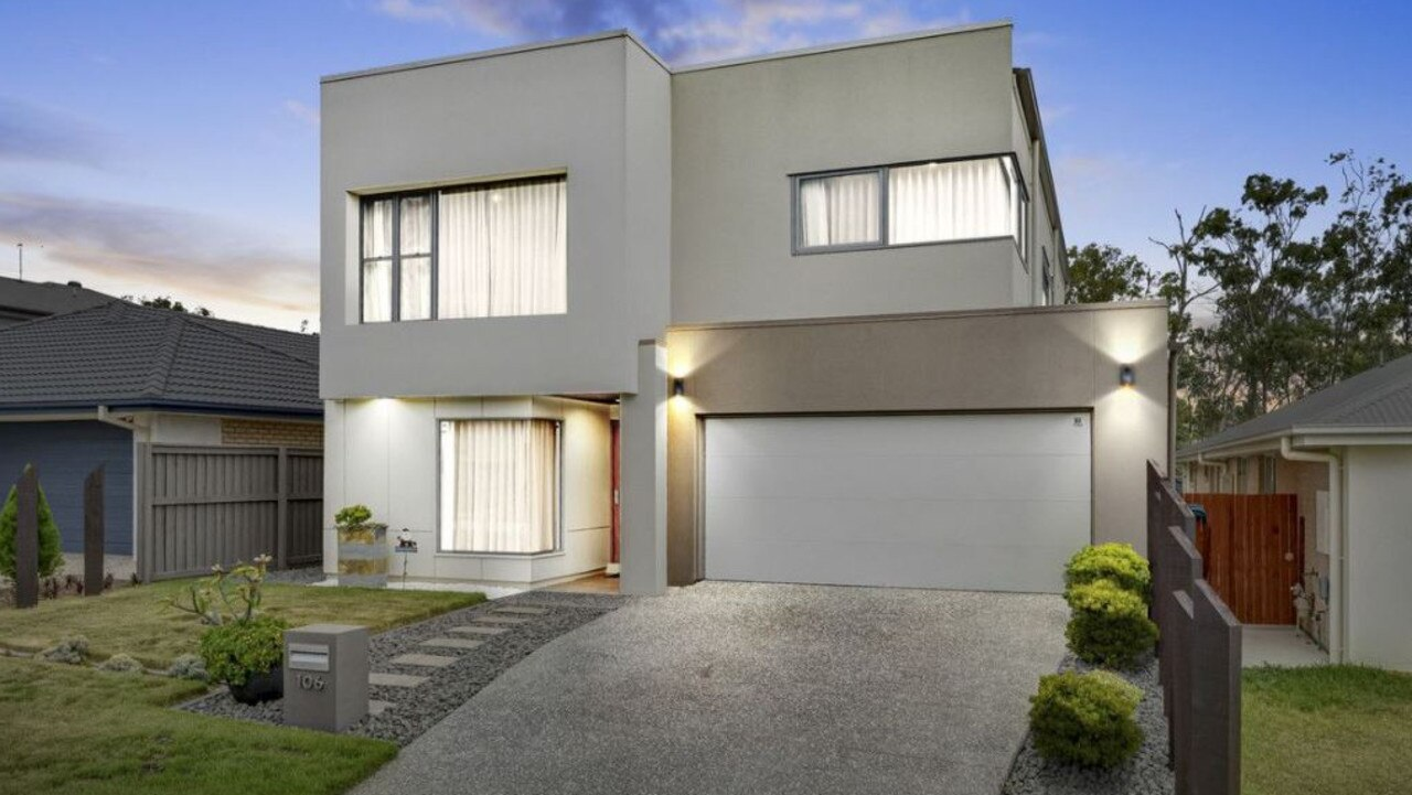 106 Conte Circuit, Augustine Heights.