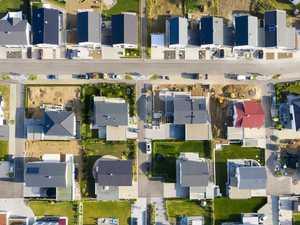 Push for public servants to come here despite housing crisis