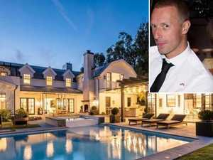 Coldplay singer moves in with 50 Shades star