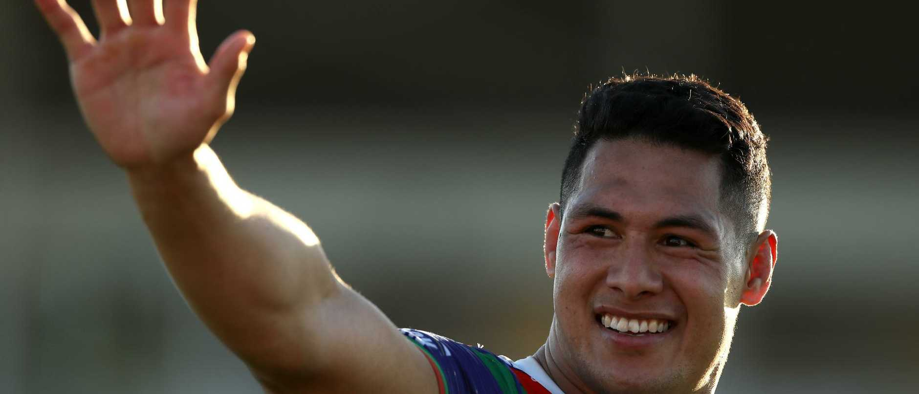 Joey Manu and Ryan Papenhuyzen emerge as contenders to replace Roger Tuivasa-Sheck at Warriors