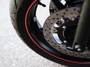 Teen suffers leg injury in motorcycle crash