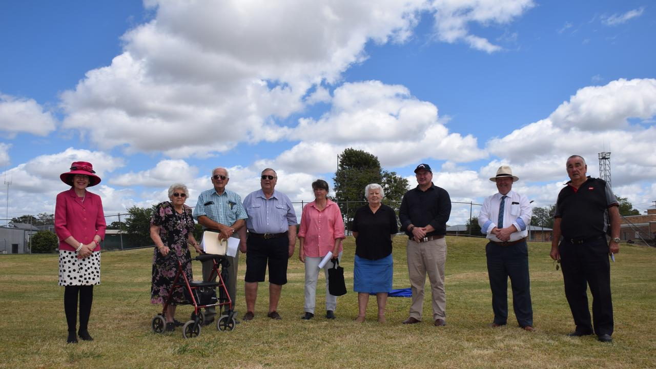 Members of the Murgon Country Creative Association along side Llew O'Brien and representatives from the South Burnett Regional Council. Photo/Tristan Evert