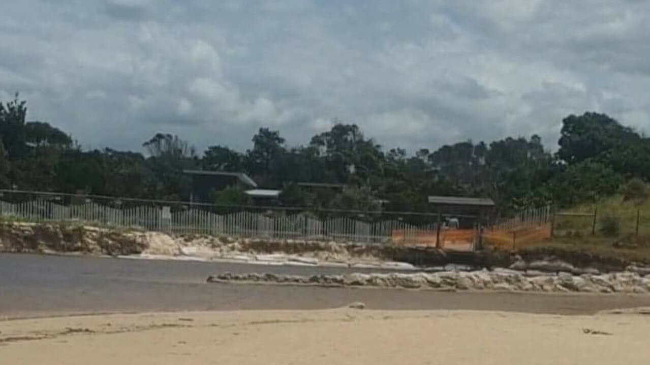Sandbagging works have been taking place at Belongil, outside Elements of Byron Resort. Picture: Greg Jard
