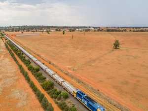 Inland rail 'a dog of a project': Senator Chisholm