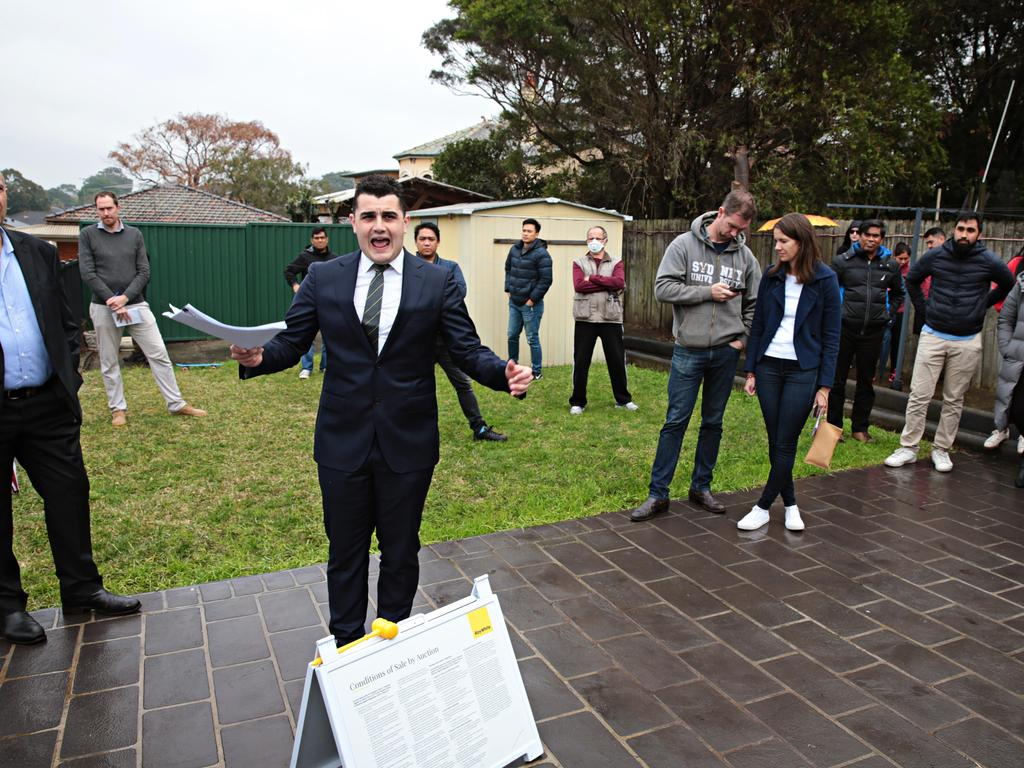 Auctioneer Alex Pattaro said homeowners should sell first and buy second. Picture: Adam Yip