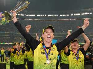 Aussie stars want Ricky Ponting's world record