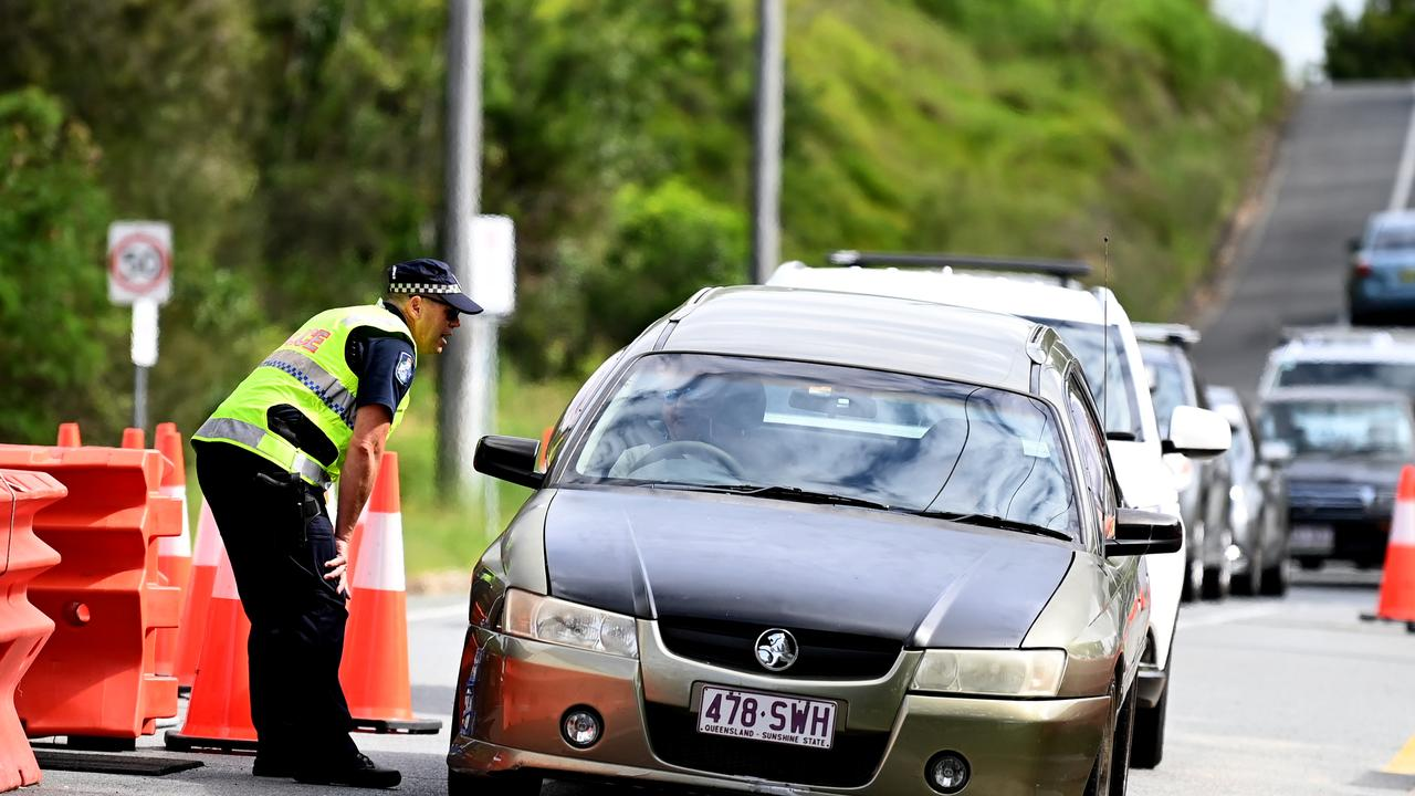 Police are poised to re-establish border checkpoints. Picture: NCA NewsWire / Dan Peled