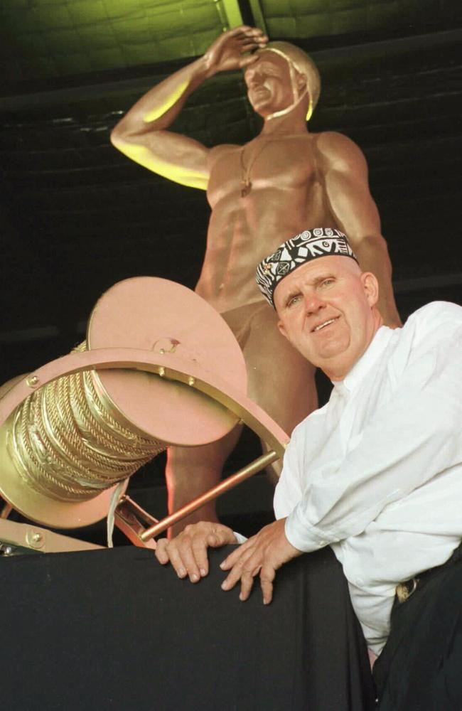 Lloyd Bond with his proposed statue.