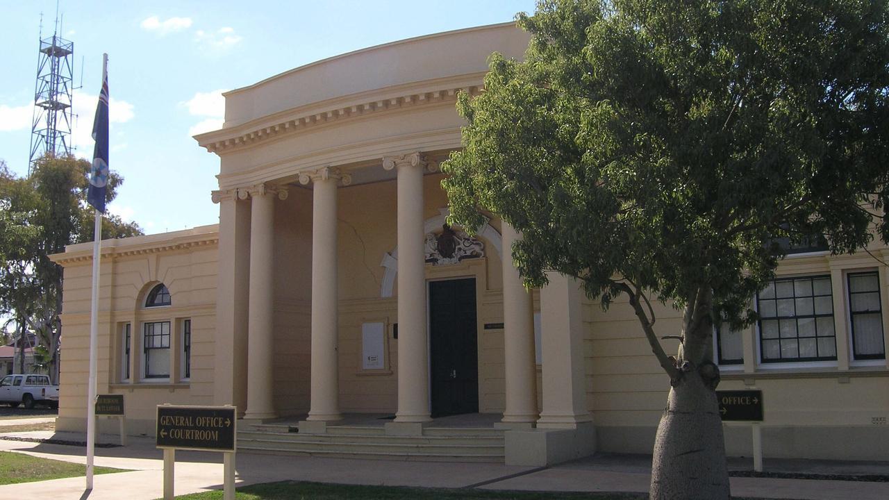 OCTOBER 2006: Roma Courthouse, Roma. PicDoug/Parrington